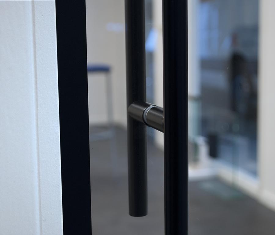 greep steel look deur